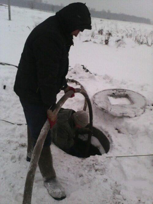 сделать скважину зимой